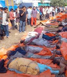 tsunami_aceh_bodies_cp_6906800